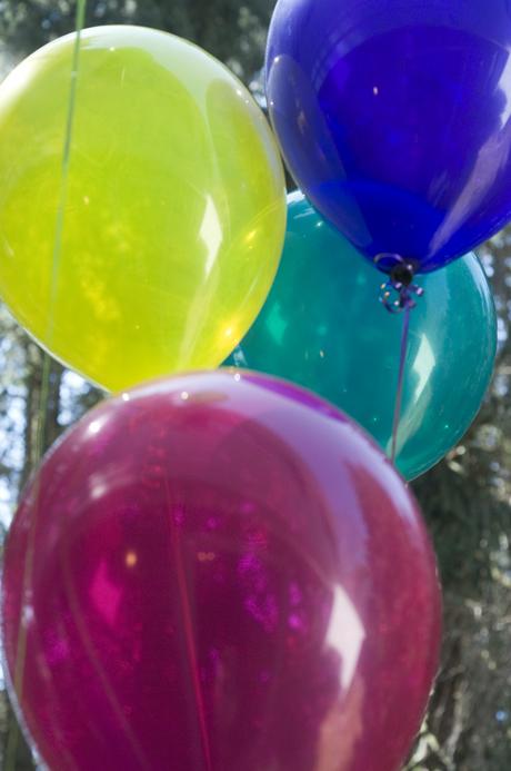 w_balloons.jpg